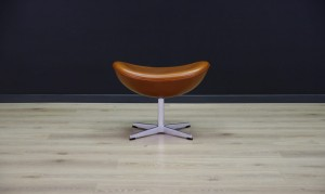 ARNE JACOBSEN THE EGG ChAIR FUßTÜTZE DANISH DESIGN