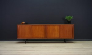 S. T. MØBLER SIDEBOARD RETRO DANISH DESIGN
