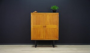 HG-FURNITURE CABINET VINTAGE DANISH DESIGN